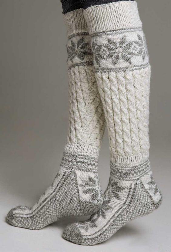 Long woolen socks in jacquard knit